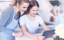 Переходный возраст у девочек: первые признаки, особенности контакта с подростком, рекомендации для родителей