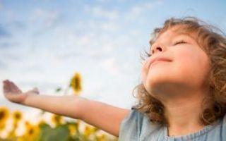 У ребёнка болит горло: причины воспаления, эффективные медикаментозные и народные способы лечения, меры профилактики