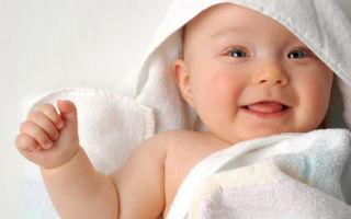 Развитие ребенка 1 месяц: рефлексы малыша и его способности
