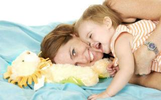 Когда ребенок начинает гулить и лепетать: первый язык новорожденных детей
