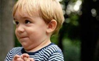 Развитие ребенка по месяцам до года мальчика: особенности и правила ухода, половое созревание