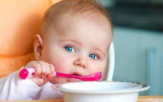 Как приучить ребенка есть ложкой: важные правила, полезные советы