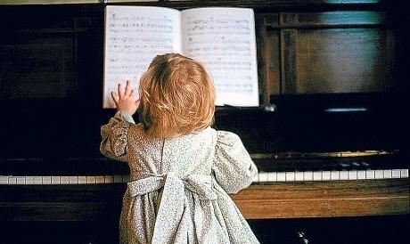 Какую музыку слушать детям в первые месяцы жизни