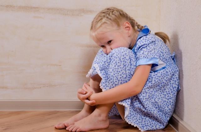 Можно ли ставить ребёнка в угол: все за и против
