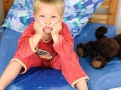 Лечение детского энуреза народными средствами