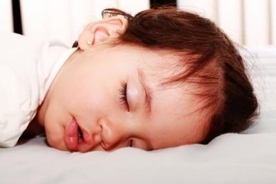 Причины храпа у ребенка