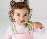 Почему у детей портятся зубы