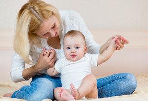 Как научить ребенка сидеть самостоятельно и когда лучше начинать