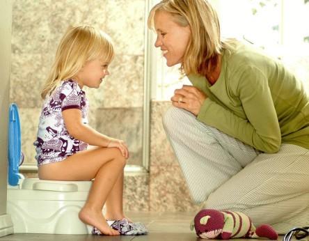 Как сделать клизму ребенку при запоре правильно