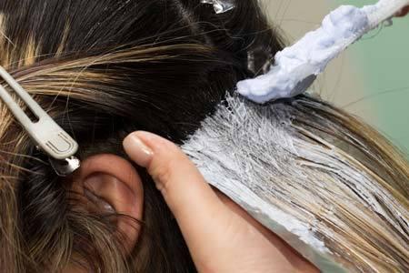 Можно ли красить волосы во время беременности и почему нельзя стричь волосы?