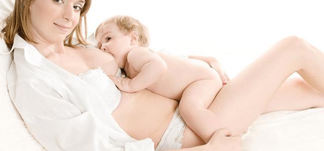 Как прикладывать ребенка к груди. Учимся все делать правильно