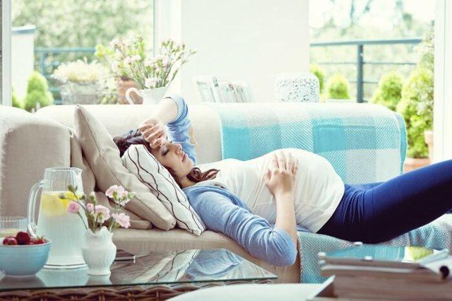 Головная боль при беременности: причины и лечение