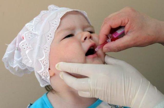 Какая вакцина от полиомиелита лучше: живая или инактивированная