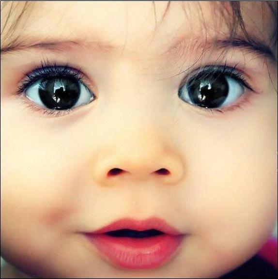 У ребенка закисают глаза: причины и симптомы заболевания, первая помощь и последующее лечение медикаментами и народными средствами