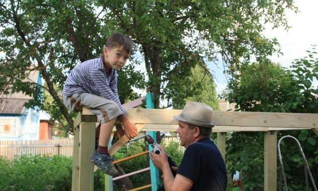 Строим домик для детей