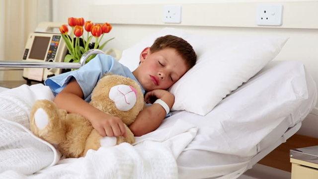 Если ребенок боится уколов, используйте советы специалистов