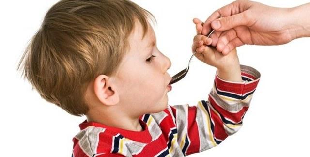 Глисты у детей: симптомы и лечение (таблетки, суспензии, народные средства)