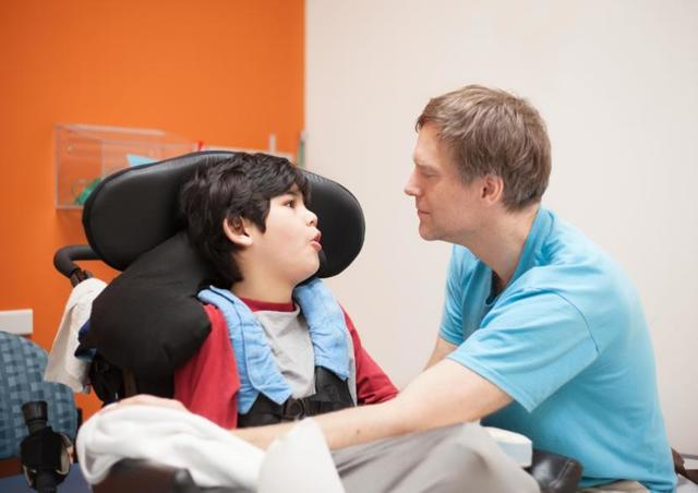 Дистрофия у детей: причины, признаки, лечение