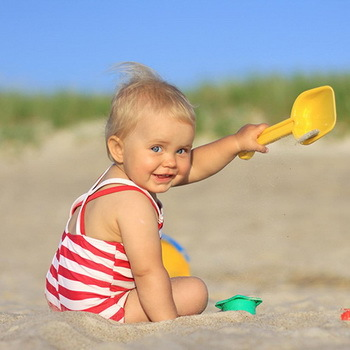 Отдых на море с грудным ребенком: можно ли ехать и где отдохнуть
