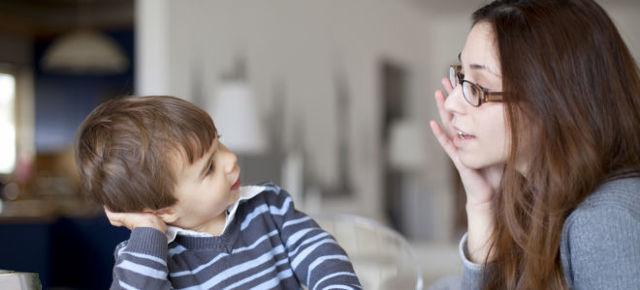 Во сколько дети начинают говорить