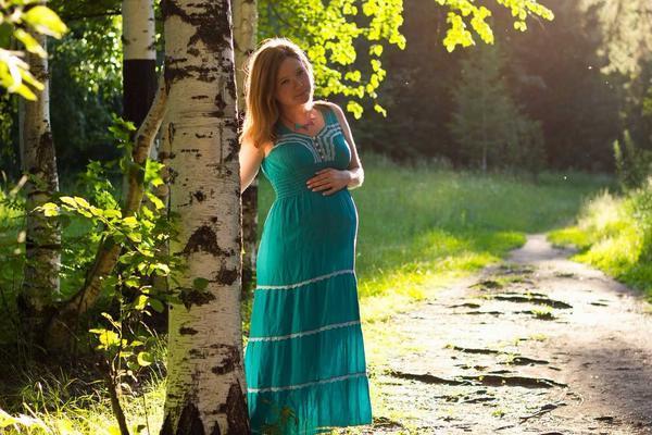 Учимся правильно выбирать обувь для беременных в каждом триместре