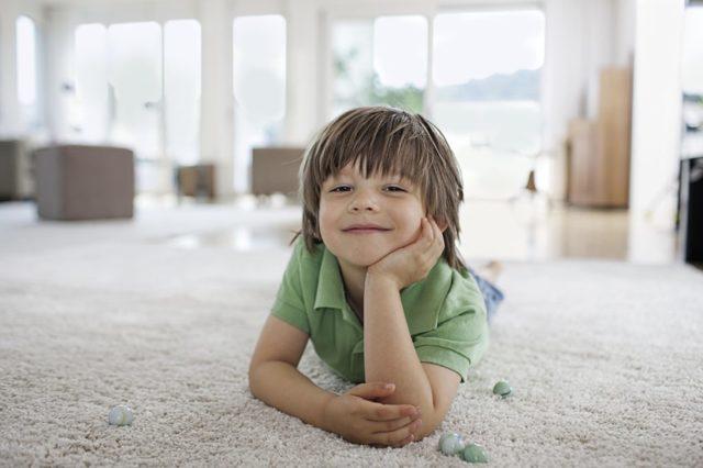 Боремся с пылью и выбираем пылесос для детской