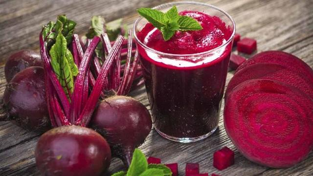 Свекольный сок от насморка для детей: польза, рецепты, побочные эффекты