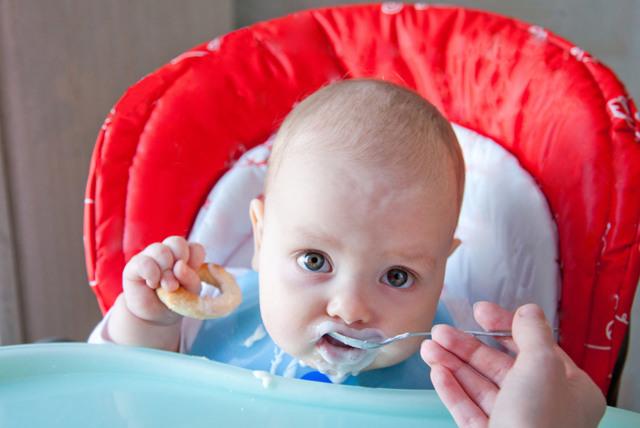 Правильное отлучение ребенка от груди