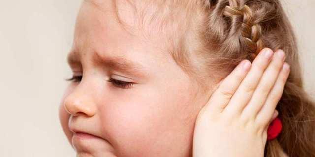 Воспаление уха у ребёнка: причины, симптомы, лечение