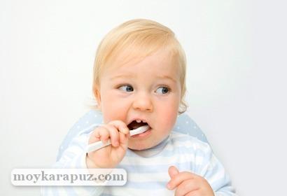 Уход за зубами и деснами младенцев