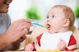 Когда можно давать ребенку фрукты