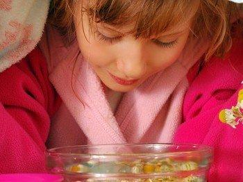Ингаляции при насморке у детей: полезные рецепты