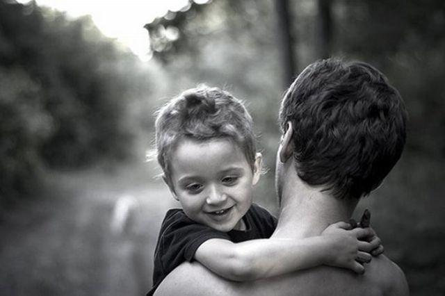Папа и ребенок: крепкая дружба