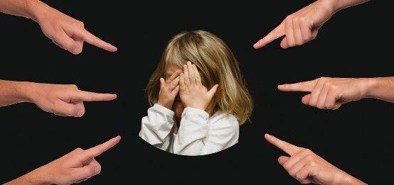 Как помочь ребенку пережить развод?