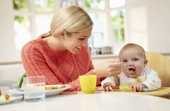 С какой каши начинать прикорм: возрастные особенности, обзор злаков