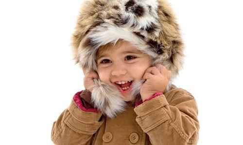 Как выбрать зимнюю шапку ребёнку, чтобы было и ему удобно, и маме практично?