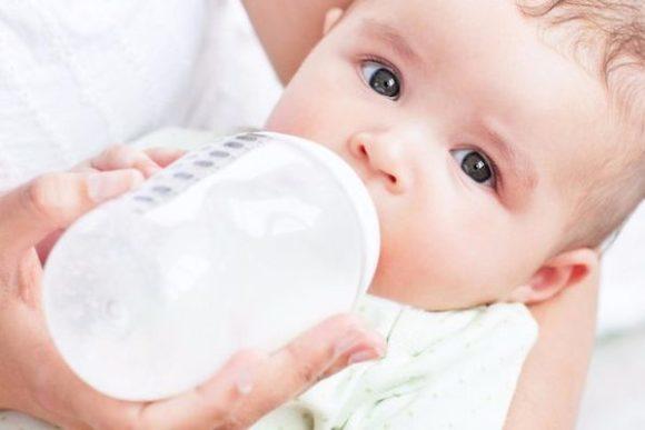 Кисломолочная смесь для детей до года: назначение, применение, рейтинг