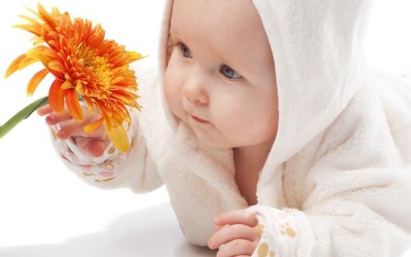 Тактильное развитие детей первого года жизни