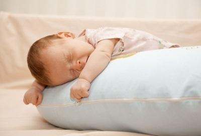 Почему ребенок беспокойно спит