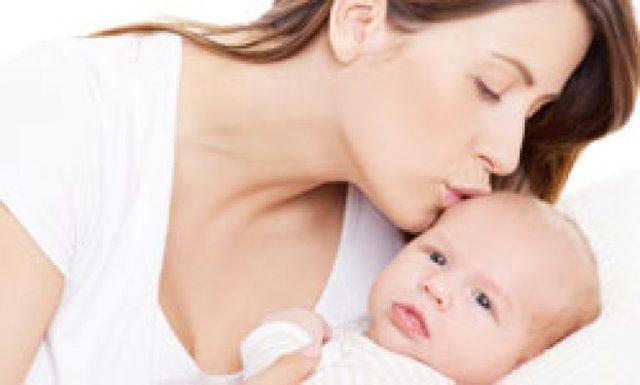 Выделения после родов: сколько длятся, цвет, запах, количество