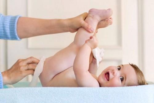 Опрелости и потница у новорожденных: чем и как лечить.