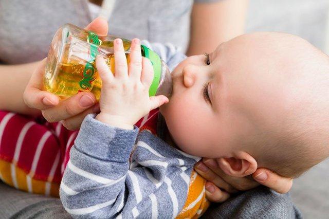Какие соки и когда можно давать ребенку