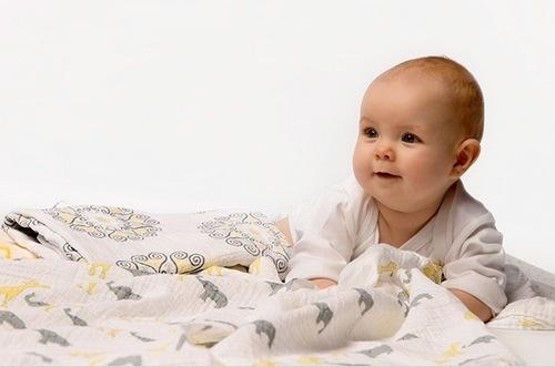 Пелёнки для новорождённого: сколько нужно и какие покупать