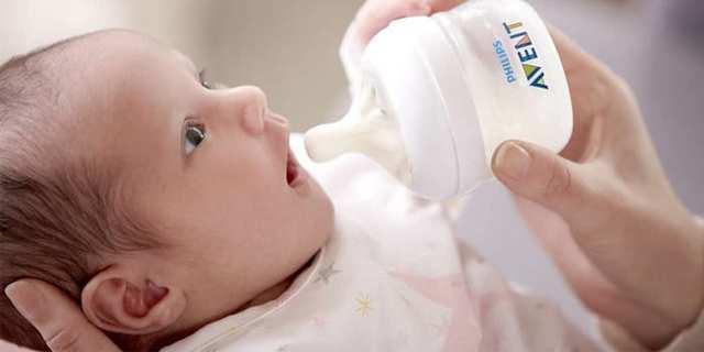 Все о кормлении из бутылочки