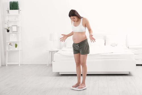 Отеки во время беременности: почему возникают, как бороться, чем опасны