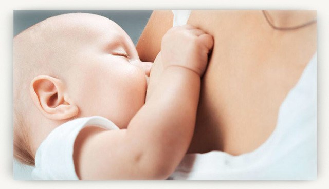 Сколько должен съедать новорождённый за 1 кормление и за сутки