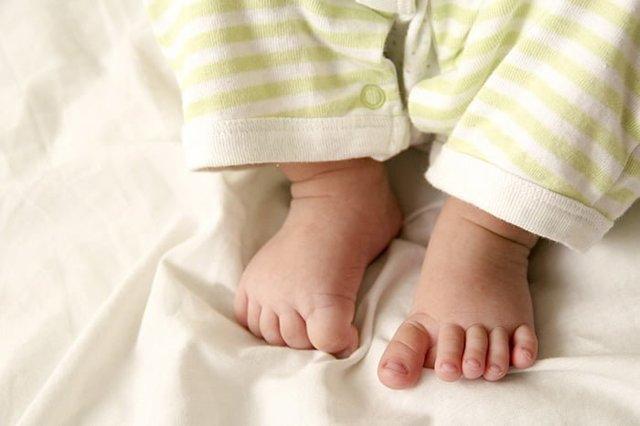 Когда зарастает родничок у новорожденных