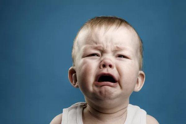 Как бороться с истериками ребенка