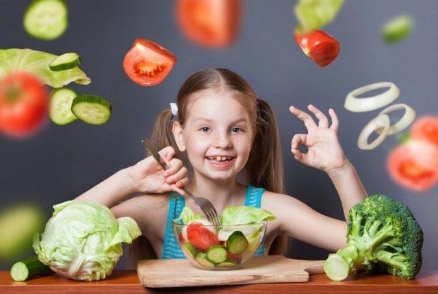Диета при запорах у детей: лечебное питание и рацион