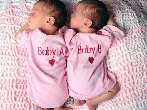 Роды двойни: естественные и особые случаи, сроки, подготовка
